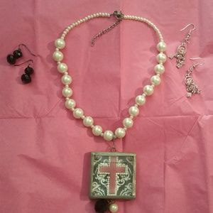 Cross & Pearls Necklace Set